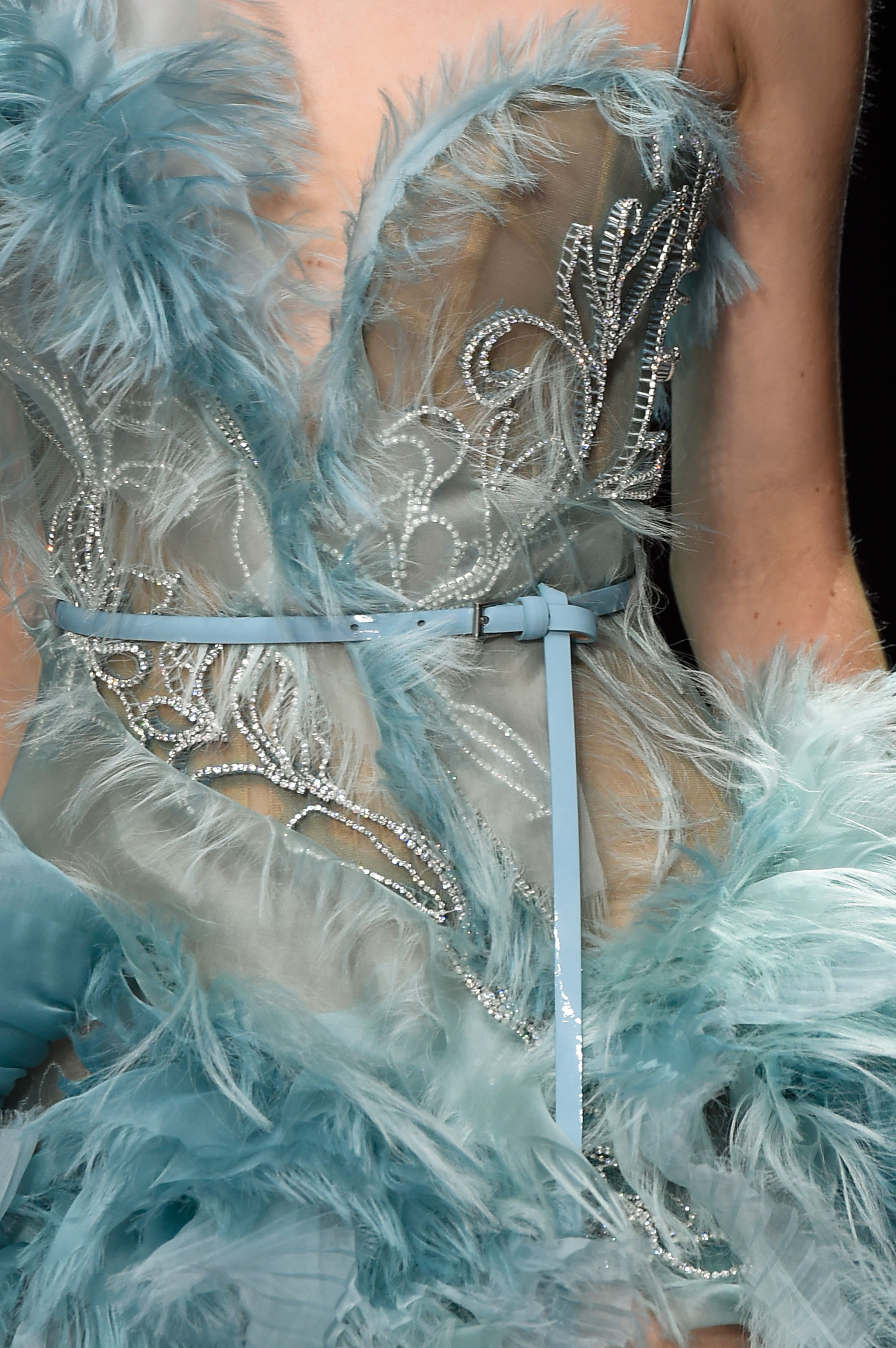 atelier-versace-close-ups-fall-2015-couture-the-impression-153
