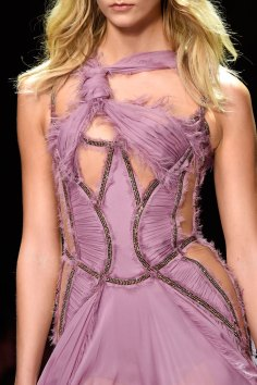 atelier-versace-close-ups-fall-2015-couture-the-impression-217