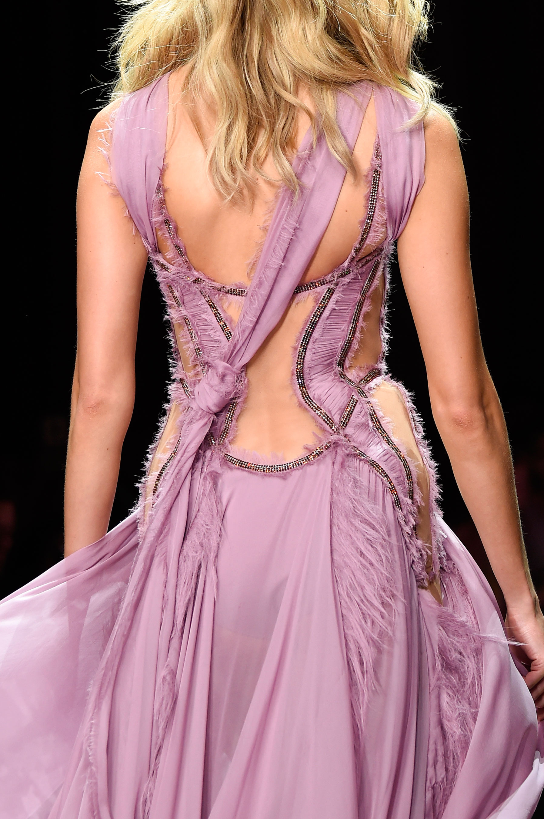 atelier-versace-close-ups-fall-2015-couture-the-impression-220