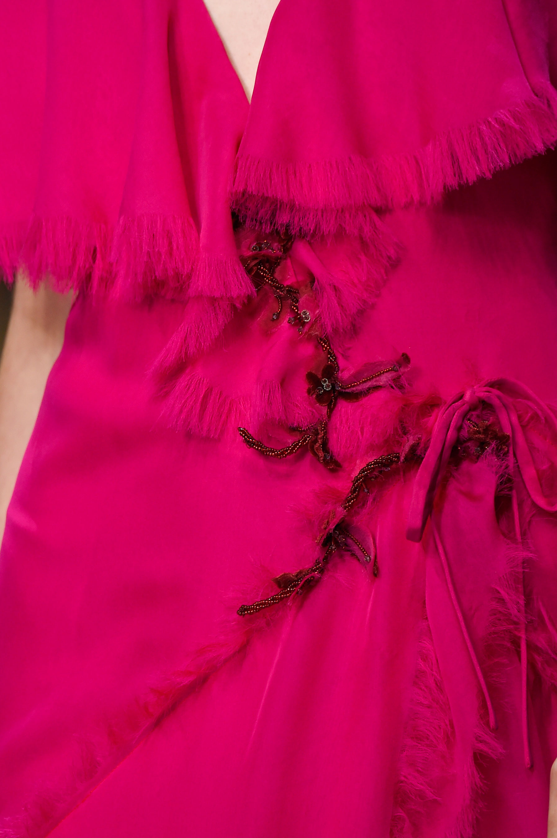 atelier-versace-close-ups-fall-2015-couture-the-impression-231