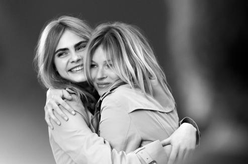 cara-delevingne-and-kate-moss-for-my-burberry-fall-2015-ad-campaign-the-impression-07