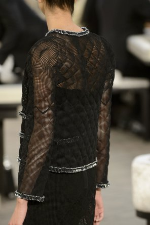 chanel-close-ups-fall-2015-couture-show-the-impression-029