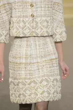 chanel-close-ups-fall-2015-couture-show-the-impression-062