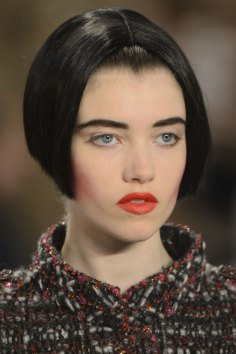 chanel-close-ups-fall-2015-couture-show-the-impression-074