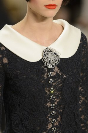chanel-close-ups-fall-2015-couture-show-the-impression-181