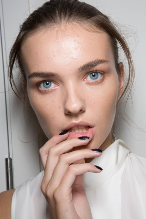 Amanda-wakeley-spring-2016-beauty-fashion-show-the-impression-28