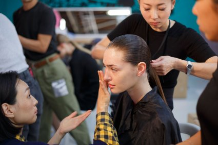 Anrealage-spring-2016-beauty-fashion-show-the-impression-02