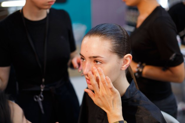 Anrealage-spring-2016-beauty-fashion-show-the-impression-04
