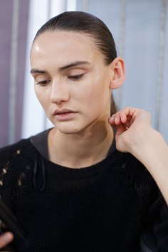 Anrealage-spring-2016-beauty-fashion-show-the-impression-23