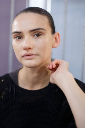Anrealage-spring-2016-beauty-fashion-show-the-impression-24