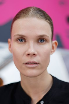Anrealage-spring-2016-beauty-fashion-show-the-impression-27