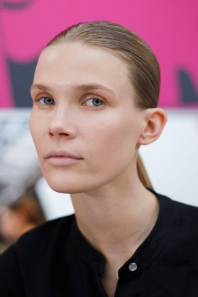 Anrealage-spring-2016-beauty-fashion-show-the-impression-28