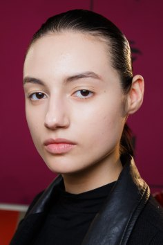 Anrealage-spring-2016-beauty-fashion-show-the-impression-40