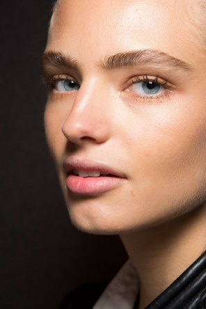 DSquared2-backstage-beauty-spring-2016-fashion-show-the-impression-017