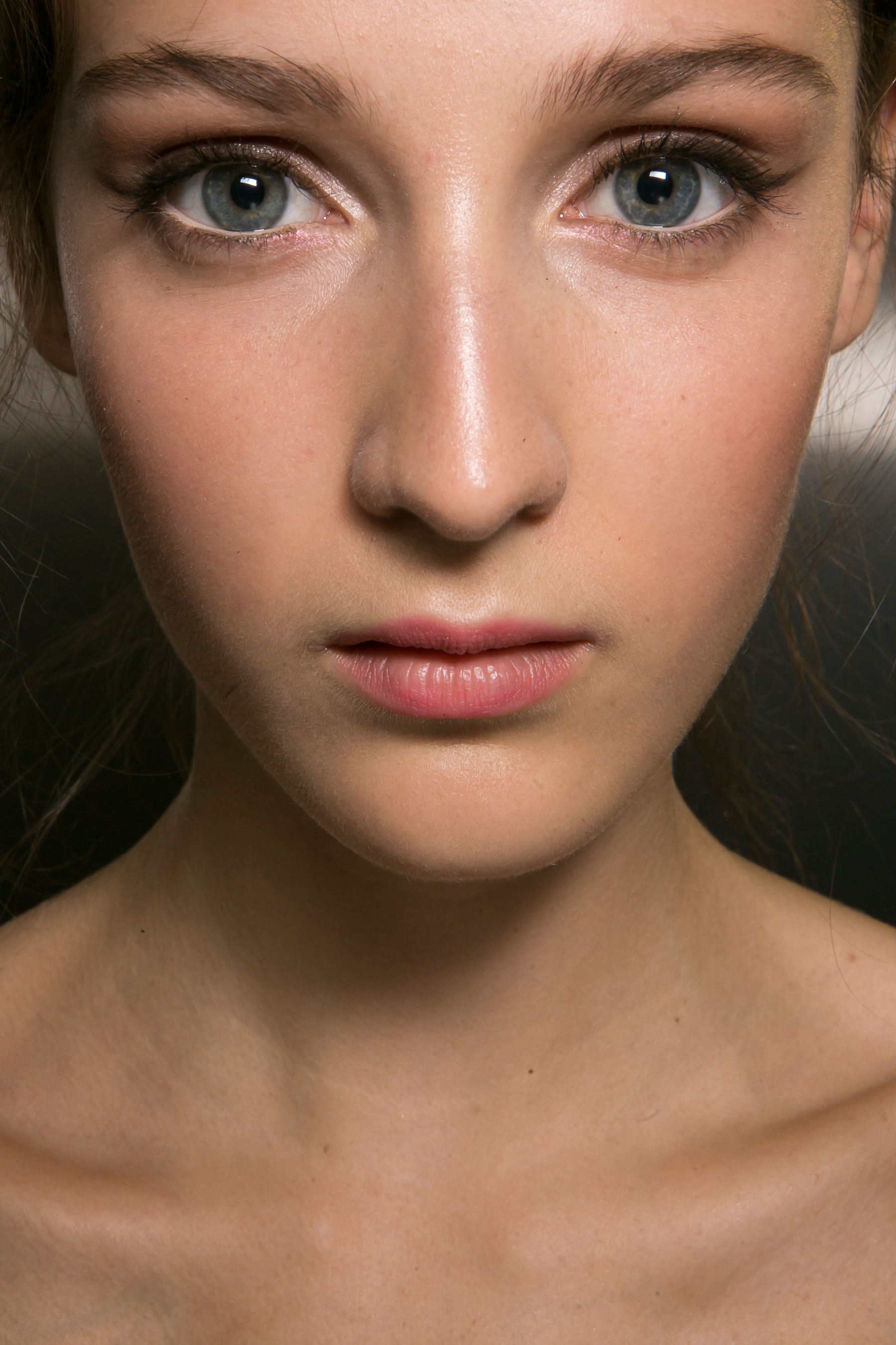 Dolce-and-Gabanna-backstage-beauty-spring-2016-fashion-show-the-impression-012