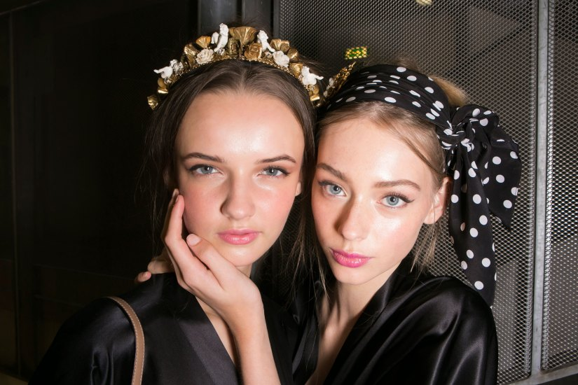Dolce-and-Gabanna-backstage-beauty-spring-2016-fashion-show-the-impression-033