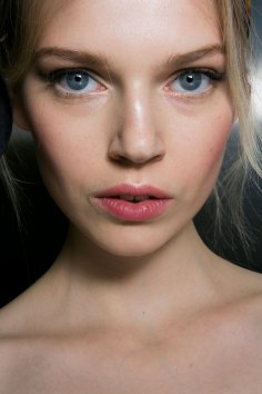 Dolce-and-Gabanna-backstage-beauty-spring-2016-fashion-show-the-impression-047