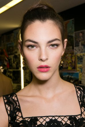 Dolce-and-Gabanna-backstage-beauty-spring-2016-fashion-show-the-impression-052