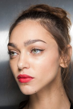 Dolce-and-Gabanna-backstage-beauty-spring-2016-fashion-show-the-impression-075