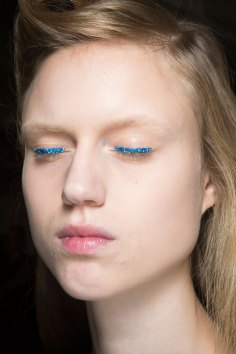Dries-van-Noten-spring-2016-beauty-fashion-show-the-impression-09