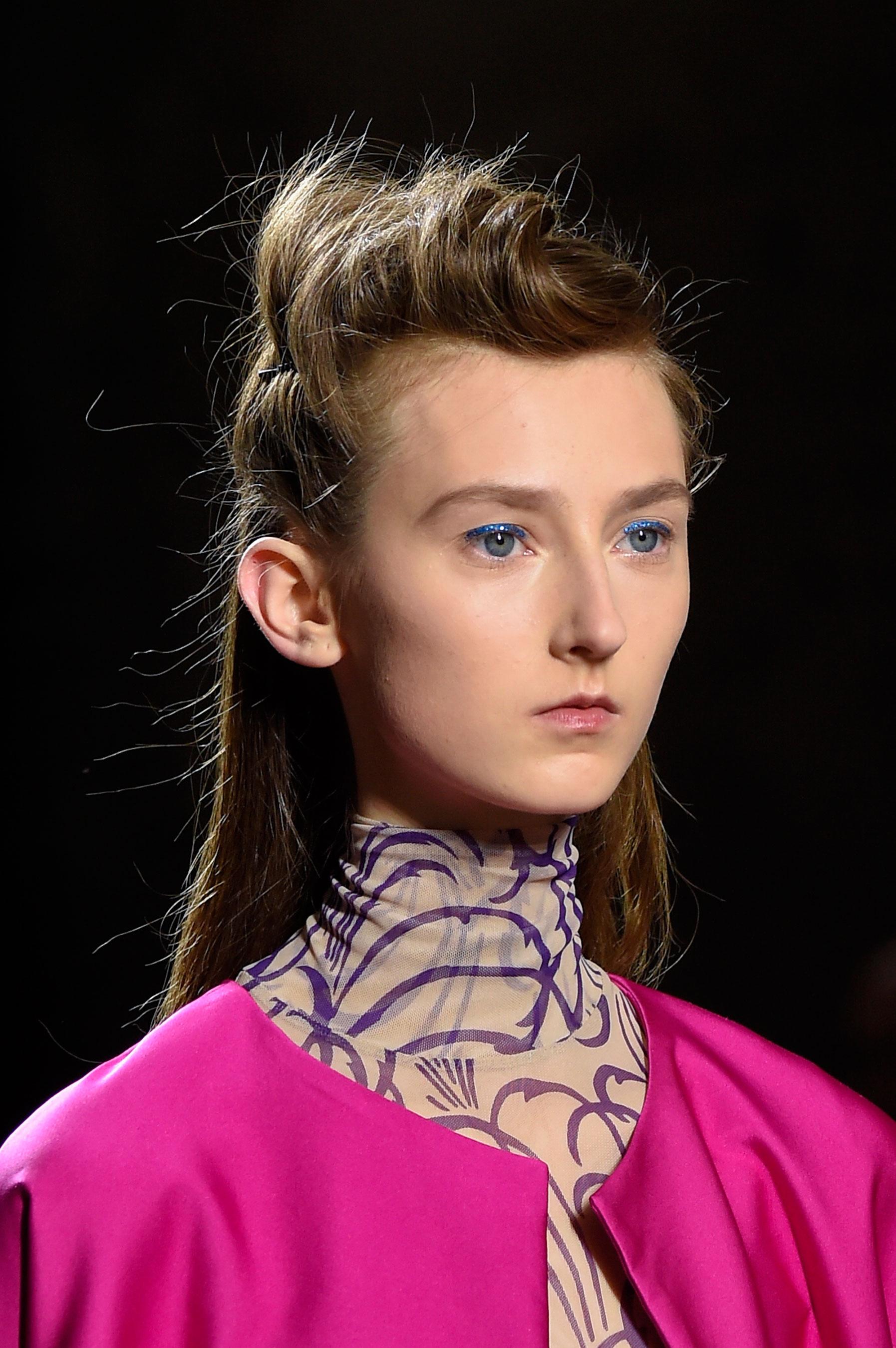Dries-van-Noten-spring-2016-runway-beauty-fashion-show-the-impression-05
