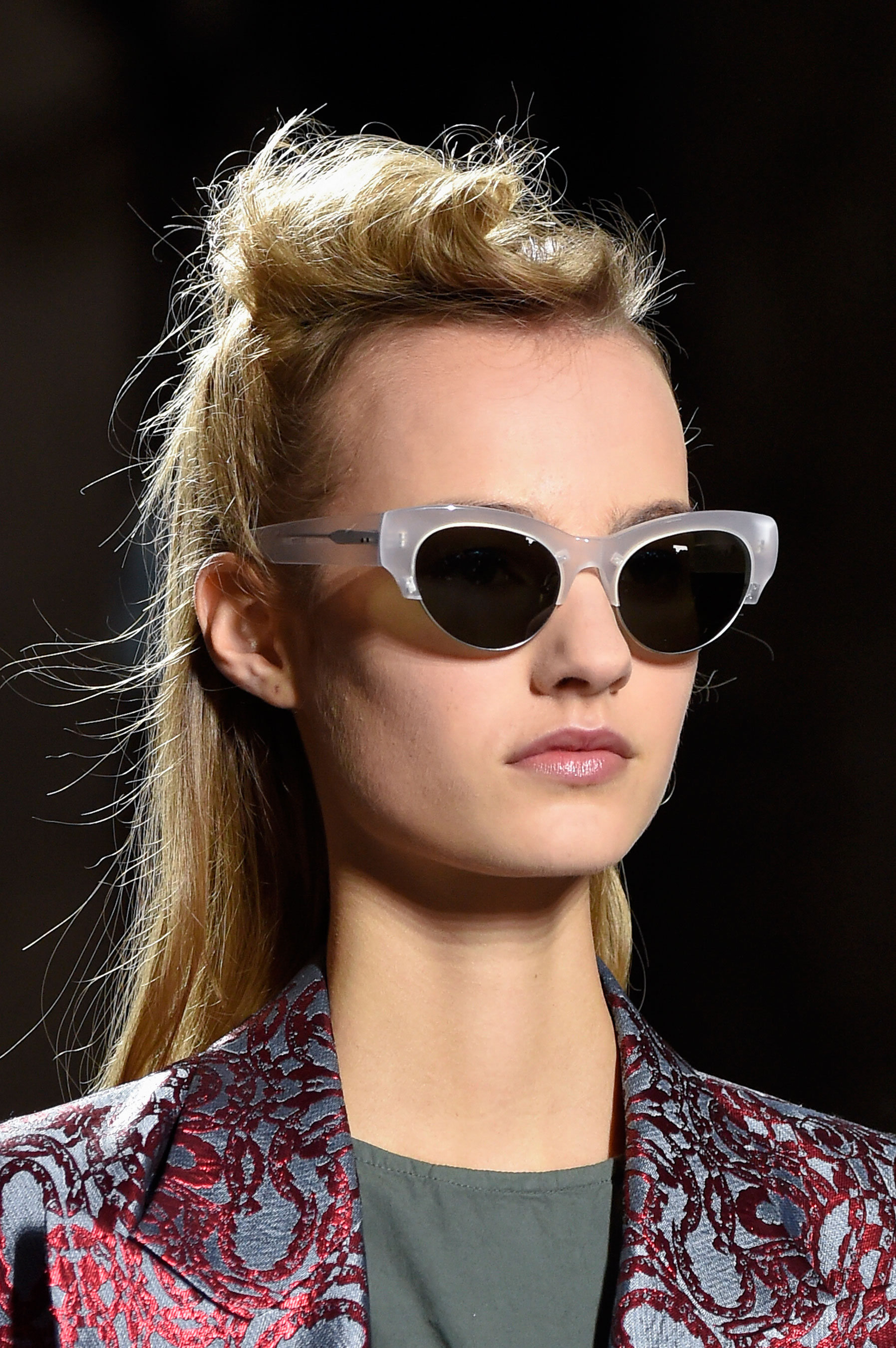 Dries-van-Noten-spring-2016-runway-beauty-fashion-show-the-impression-20