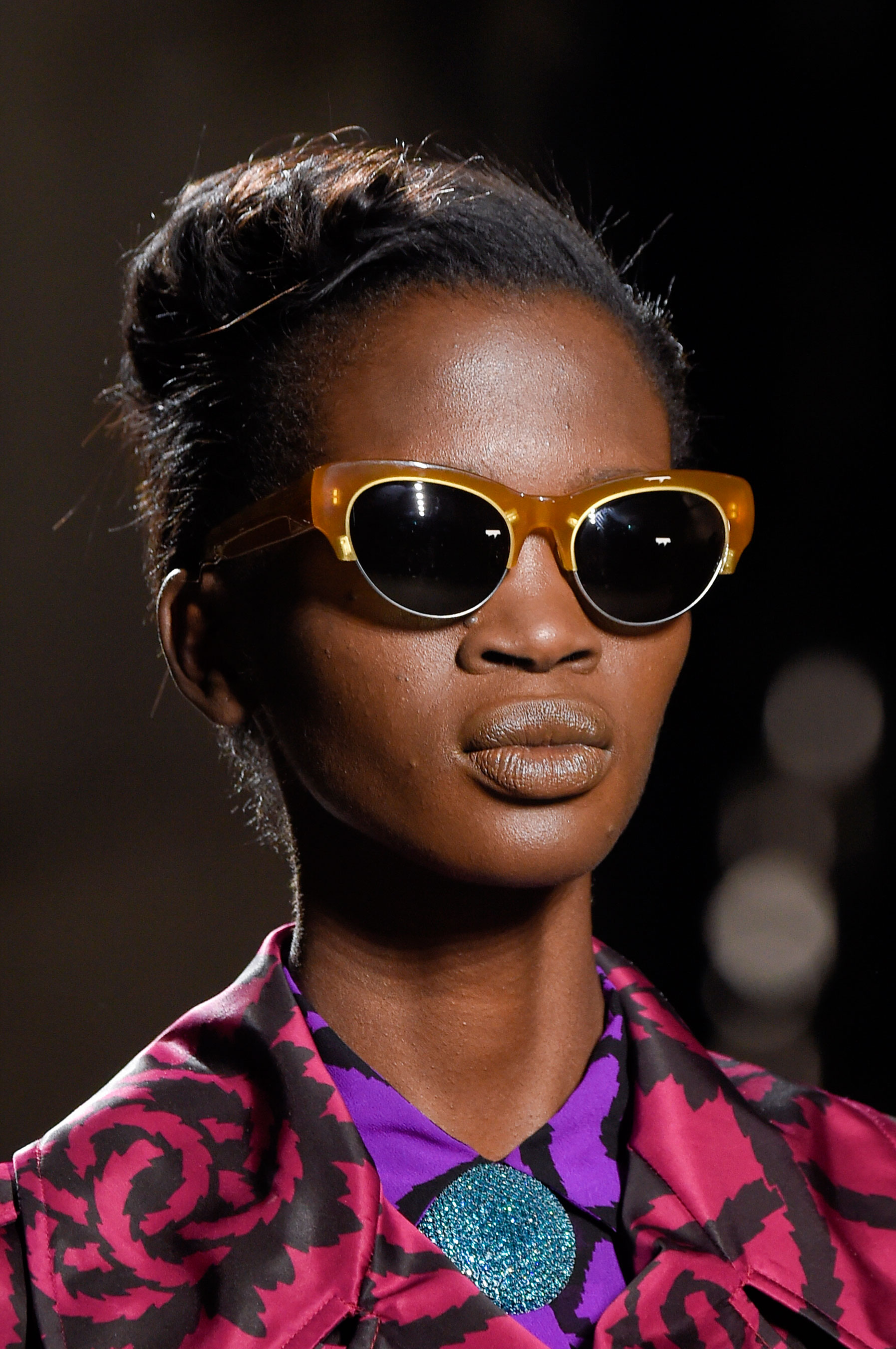 Dries-van-Noten-spring-2016-runway-beauty-fashion-show-the-impression-25