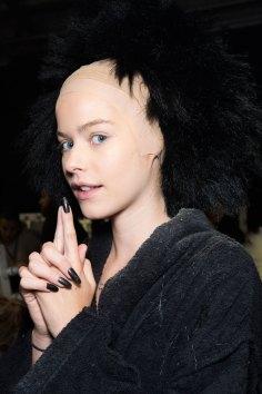 Gareth-Pugh-beauty-spring-2016-fashion-show-the-impression-149