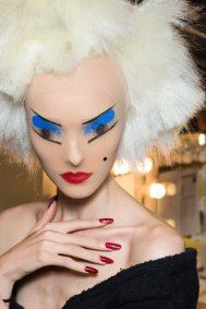 Gareth-Pugh-beauty-spring-2016-fashion-show-the-impression-155