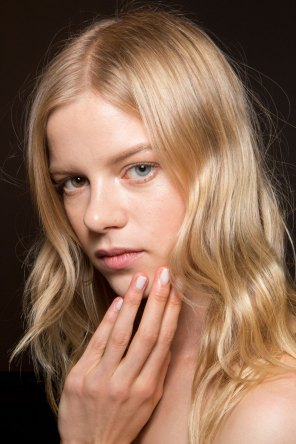 Gucci0-backsatge-beauty-spring-2016-fashion-show-the-impression-030