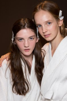 Gucci0-backsatge-beauty-spring-2016-fashion-show-the-impression-066
