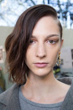 Guy-Laroche-spring-2016-beauty-fashion-show-the-impression-22