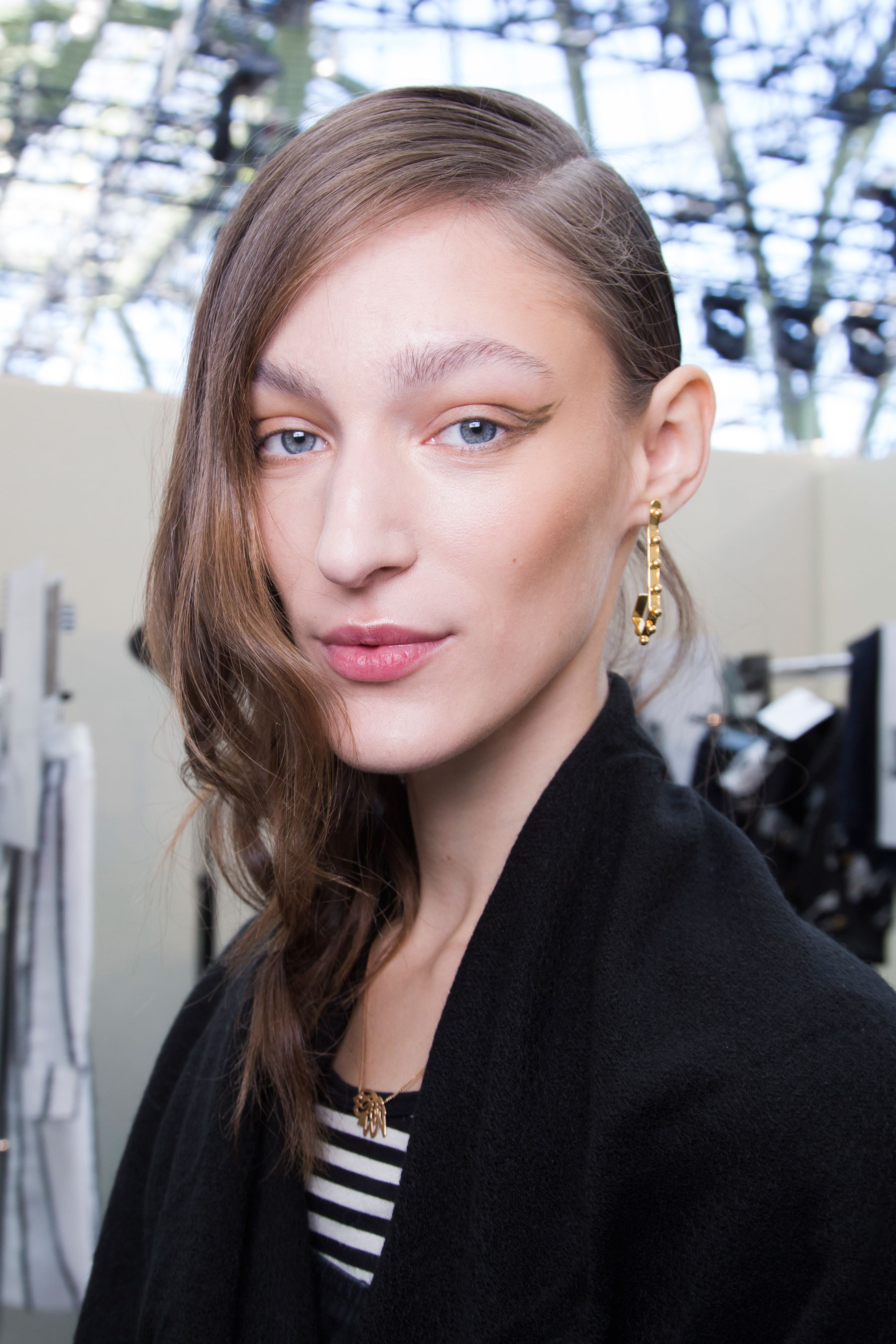 Guy-Laroche-spring-2016-beauty-fashion-show-the-impression-40