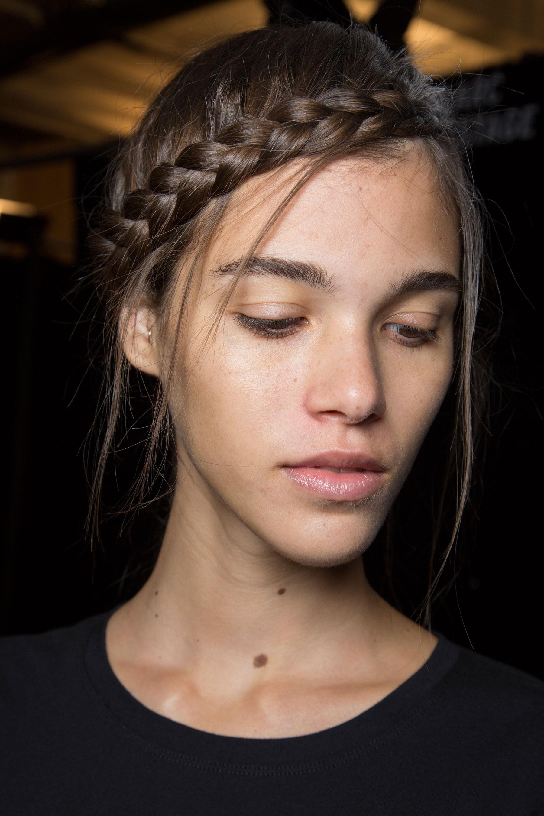 Herve-Leger-backstage-beauty-spring-2016-fashion-show-the-impression-63