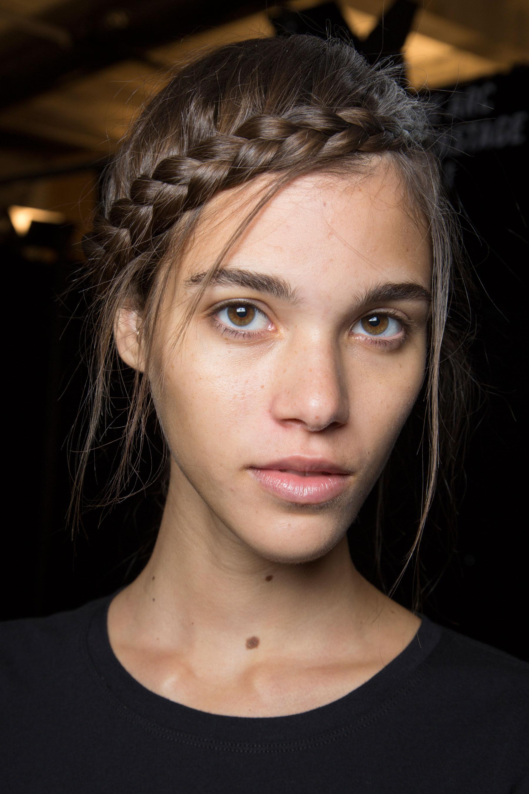 Herve-Leger-backstage-beauty-spring-2016-fashion-show-the-impression-64