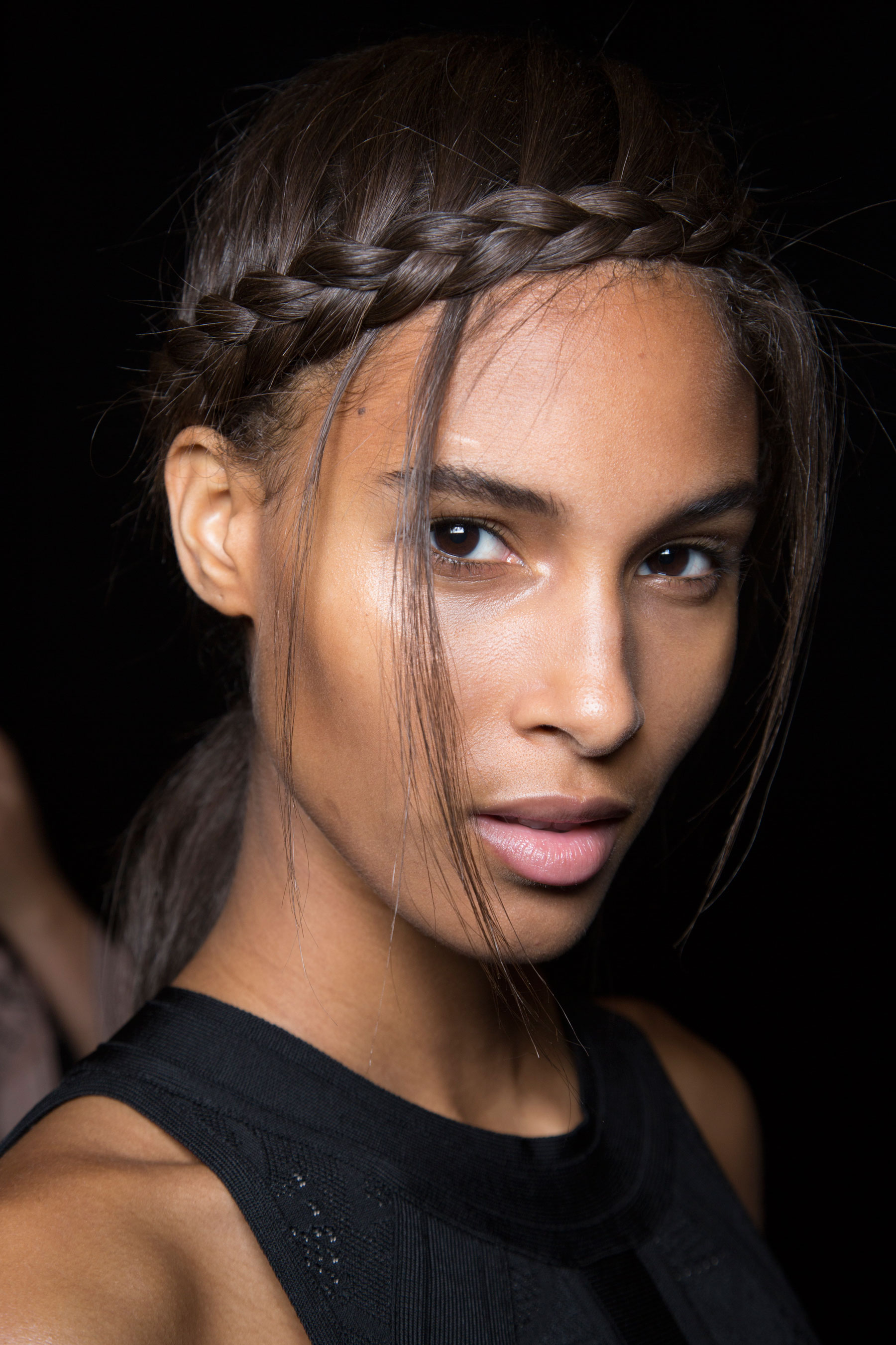 Herve-Leger-backstage-beauty-spring-2016-fashion-show-the-impression-83