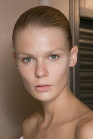 JW-Anderson-beauty-spring-2016-fashion-show-the-impression-022