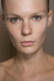JW-Anderson-beauty-spring-2016-fashion-show-the-impression-026