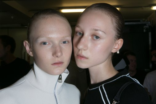 JW-Anderson-beauty-spring-2016-fashion-show-the-impression-033