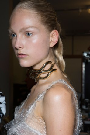 JW-Anderson-beauty-spring-2016-fashion-show-the-impression-068