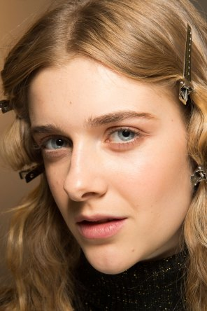 Lemaire-spring-2016-beauty-fashion-show-the-impression-11