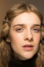 Lemaire-spring-2016-beauty-fashion-show-the-impression-13