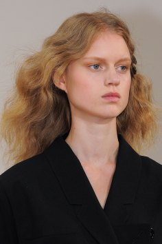 Lemaire-spring-2016-runway-beauty-fashion-show-the-impression-24