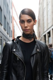 London-Fashion-Week-Street-Style-Day-1-spring-2016-the-impression-013