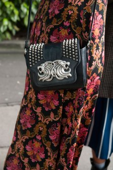 London-fashion-week-street-Style-Day-3-spring-2016-fashion-show-the-impression-078