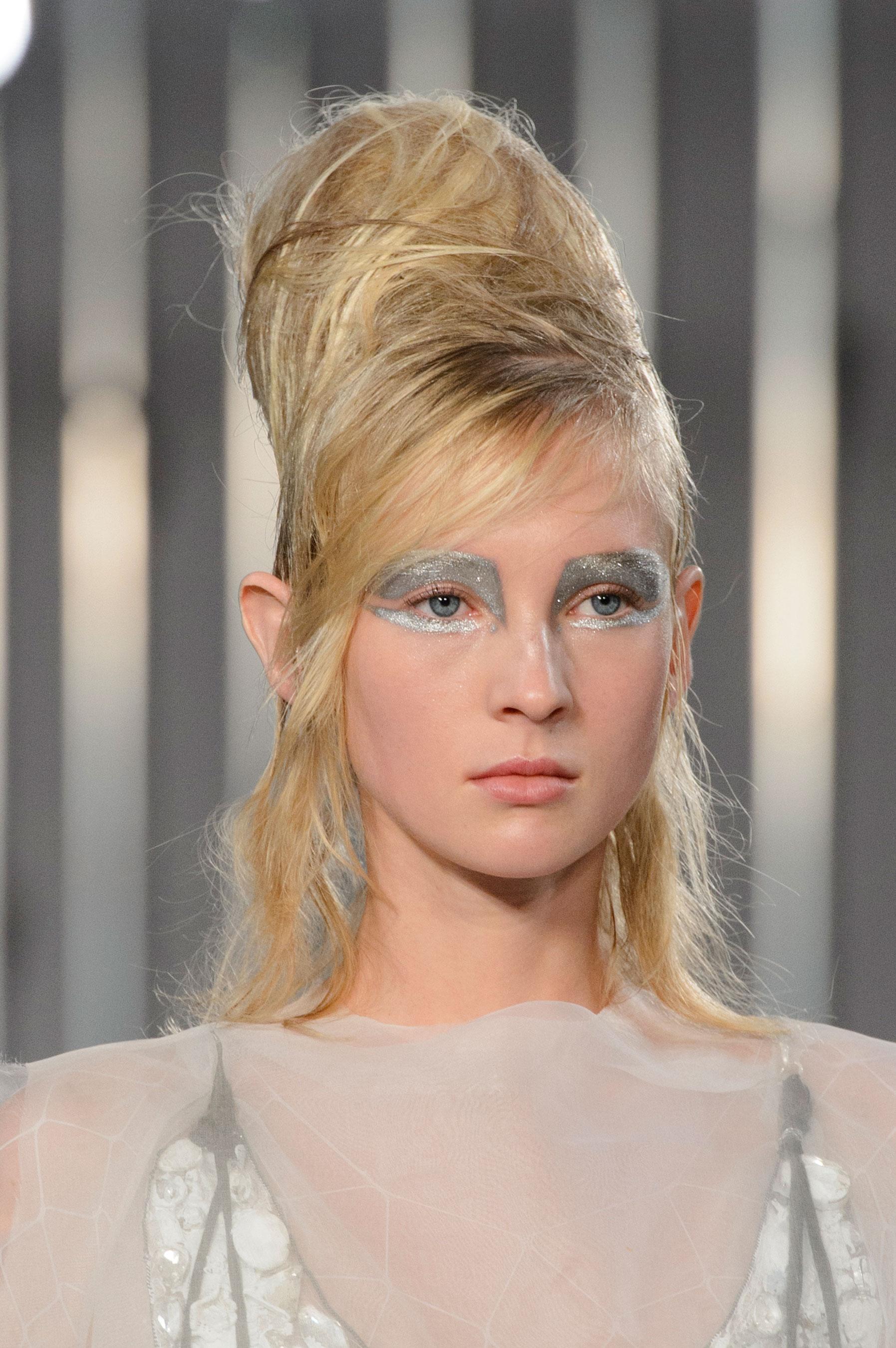 Maison-Margiela-spring-2016-runway-beauty-fashion-show-the-impression-002