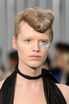 Maison-Margiela-spring-2016-runway-beauty-fashion-show-the-impression-010