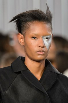 Maison-Margiela-spring-2016-runway-beauty-fashion-show-the-impression-013