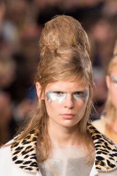 Maison-Margiela-spring-2016-runway-beauty-fashion-show-the-impression-067