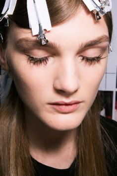 Marni-backstage-beauty-spring-2016-fashion-show-the-impression-026